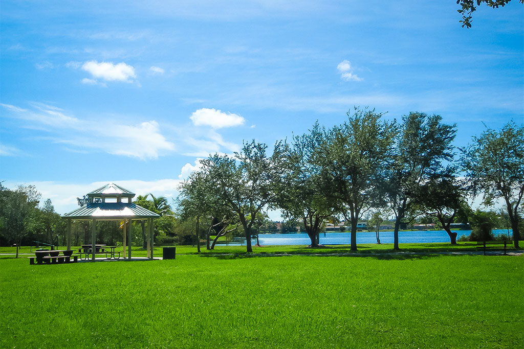Relax-under-a-gazebo-at-Saga-Bay-Lake-Park